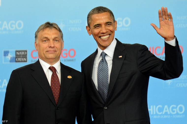 Orbán Viktor és Barack Obama 2012-ben a chicagói NATO-értekezleten