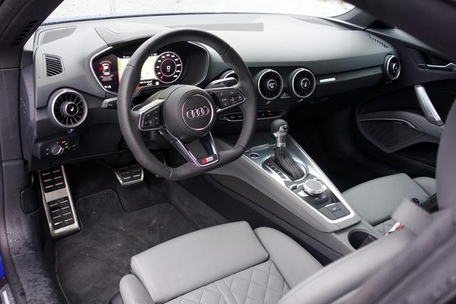 Ki gondolta volna, hogy pont az Audi gurít ide egy beltérdizájn-mérföldkövet?