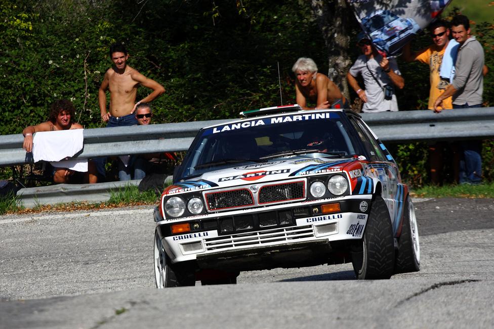 Az idei évben csupán 14 ilyen Lancia Delta indult, ami elmaradt az előző években megszokottaktól. A sima Delták mellett két B-csoportos (S4) szörnyeteget is megcsodálhattunk