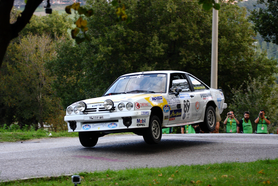 Kissé megkésett az Opel Manta 400-as versenyautójával. A világbajnokságon a legnagyobb sikerük egy második hely volt ezzel a kocsival. A nemzeti bajnokságokban azonban jobban teljesített a Manta, francia és brit bajnoki címet is nyertek vele