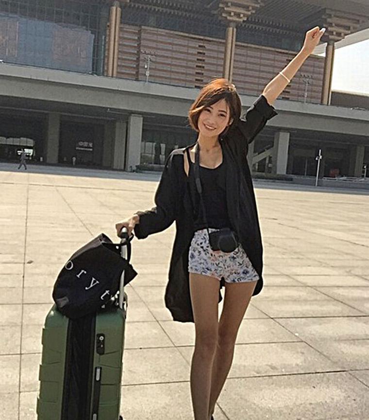 A-19-year-old-girl-Ju-Peng (1)