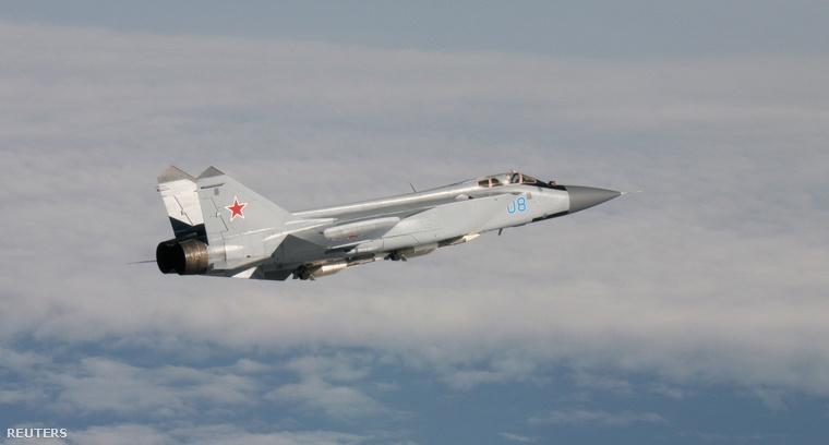 Egy MIG-31-es orosz vadászgépet fotózott le a levegőben a norvég hadsereg