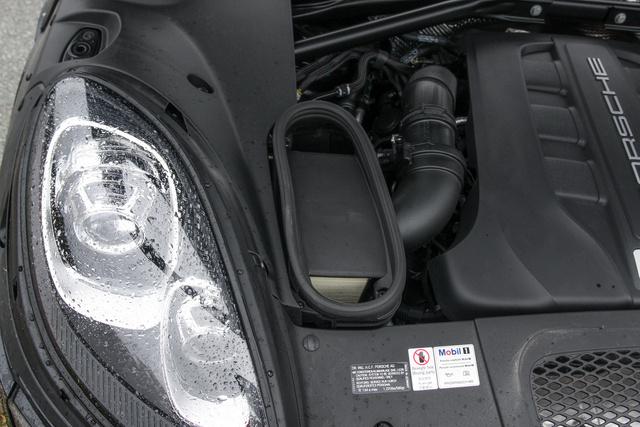 Innen szív a Porsche