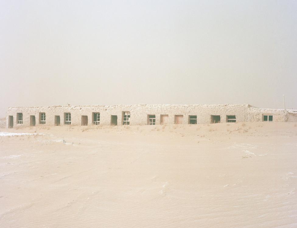 Mintha egy falrészletbe vájták volna a lakásokat valahol Gansu tartományban.