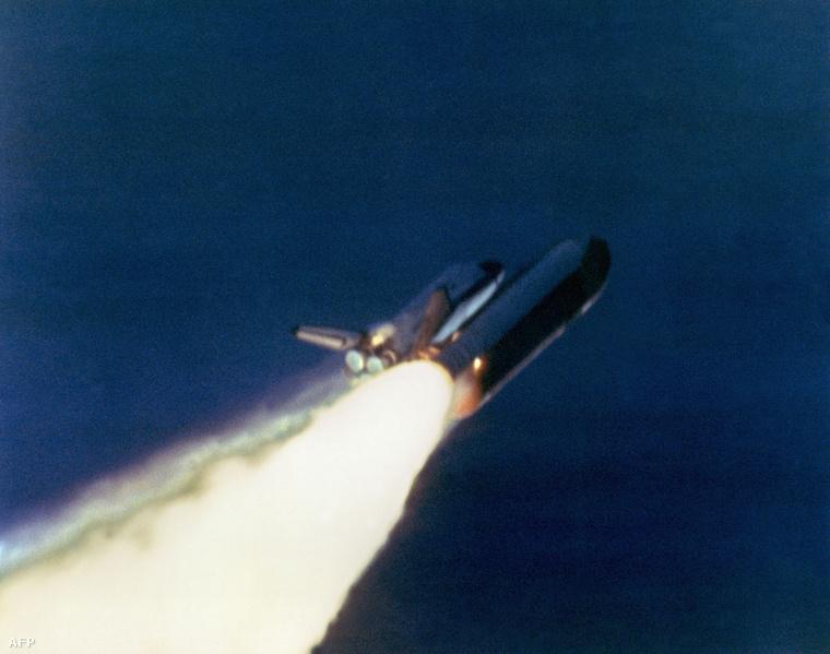 A Challenger 1986. január 28-án, 72 másodperccel az indítás után robbant fel