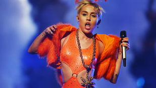 Miley Cyrus Schwarzenegger fiával kavar?