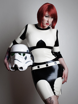 stormtrooper-rubber-latex-costume-1