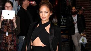 Jennifer Lopezen tökéletes a ruha, ami a nők többségén szörnyen állna