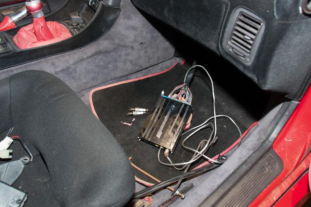 Teljes motorvezérlő-elektronikát ígért a szerelő. Beiktatott kütyüt kapott végül Márk, bár az sem működött