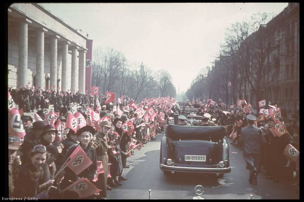 Győzelmi ünnep Münchenben Hitler tiszteletére, 1939-ben.