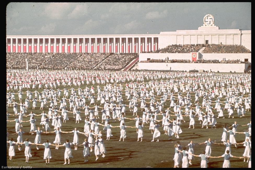 Német lányok műsora a párt 1938-as kongresszusán