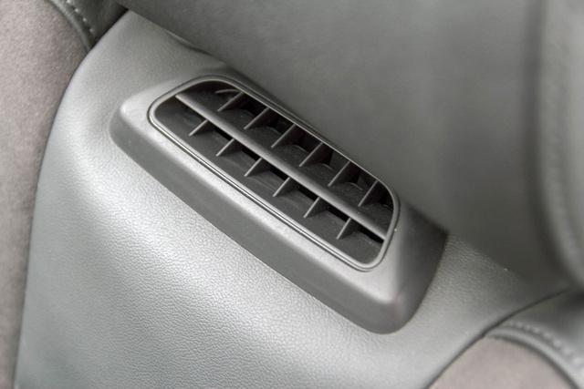 Tarkóra fúj, de nem úgy, mint a Mercedes