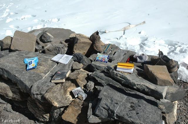 A meghalt túrázók hátrahagyott könyvei