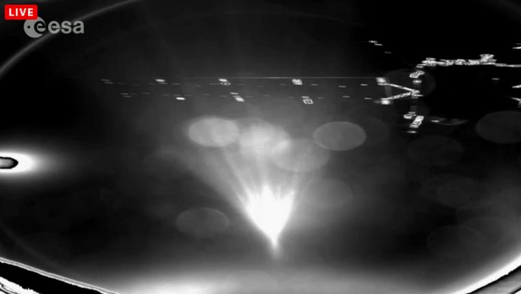 Az első kép a leszállóegység kameráitól a szélválás után
