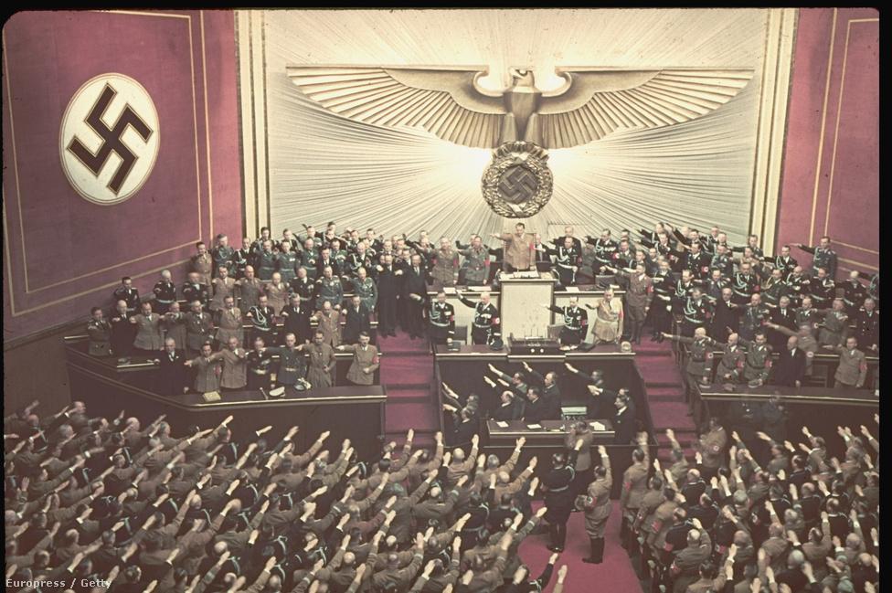 A Reichstag ülésén Hitler felszólalásban utasítja el Roosevelt elnök felkérését a háború elkerülésére, 1939. április 28-án