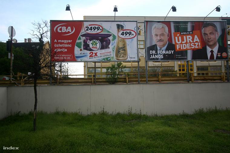 2010-es plakátok az áprilisi választások előtt