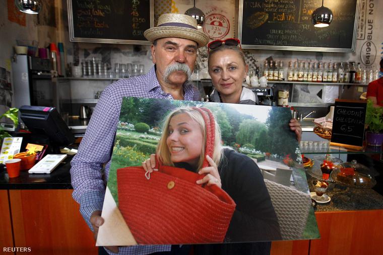 Lengyel szülők kivándorolt lányuk portréjával
