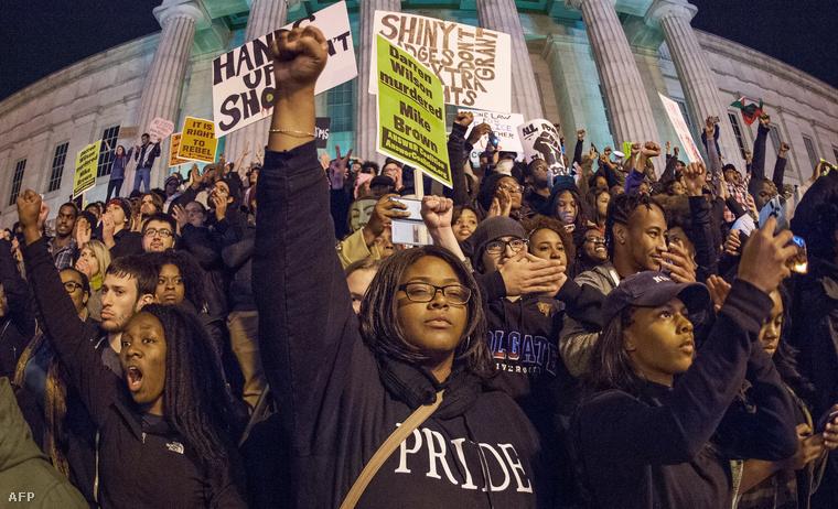Némán tiltakoztak Washingtonban