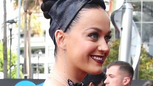 Katy Perry átlátszóban örül Ausztráliának