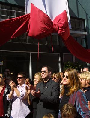 Tom Cruise, John Travolta, Kelly Preston és Kirstie Alley a Szcientológiai Egyház templomavató ünnepségén San Franciscóban, 2001. szeptember 29-én