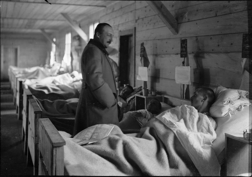 József Főherceg látogatása egy hadikórházban, Isonzo vidéke, 1916.