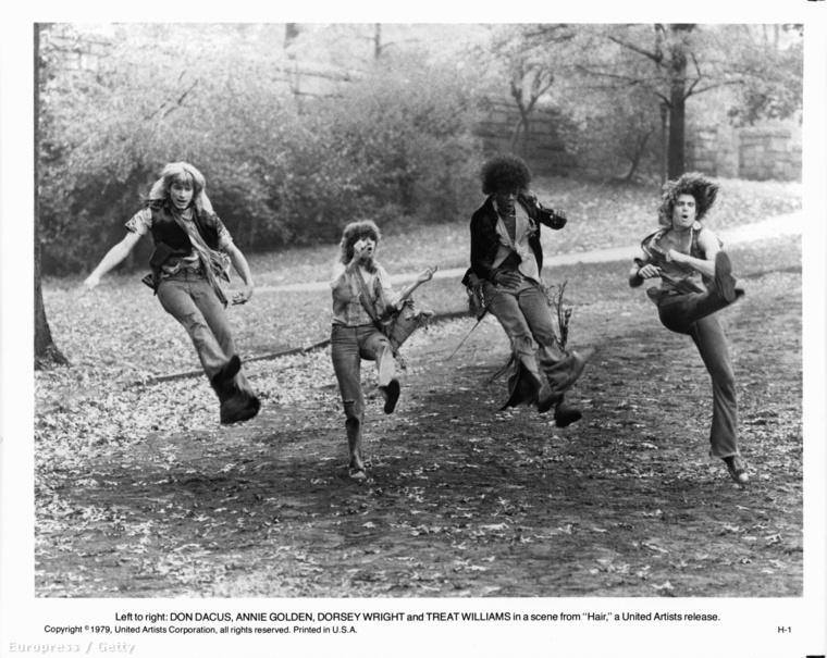 A 1967-es Boradway-musicalből készített, 1979 tavaszán bemutatott Hair Milos Forman első amerikai filmje volt