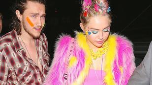 Patrick Schwarzenegger egy sztripklubban bulizott Miley Cyrusszal és Paris Hiltonnal