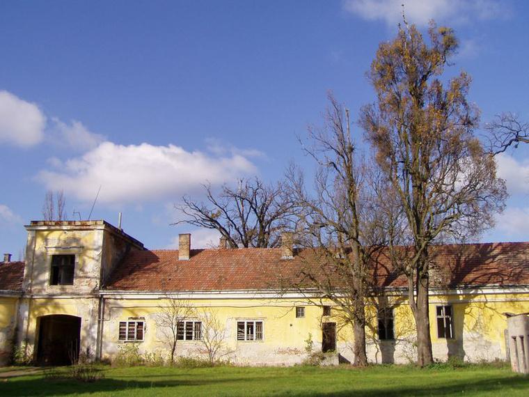 Gerlai Wenckheim kastély belső udvara. A fotót Vincze Andrea kés