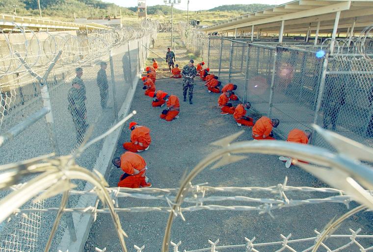 Guantanamói foglyok 2002-ben