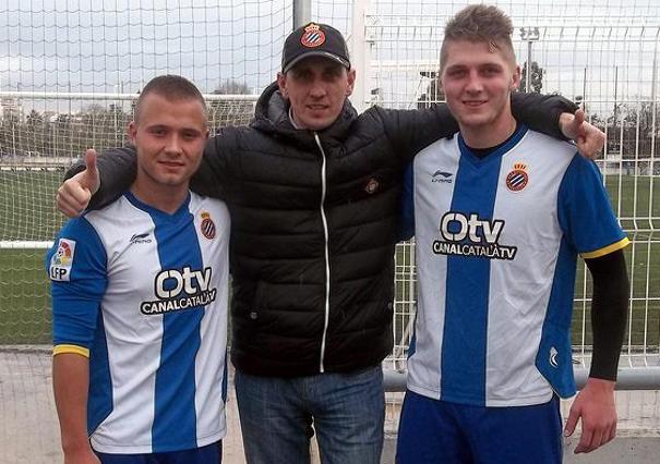 Kiss Viktor balra, Csicsvári Milán jobbra az Espanyol szerelésében