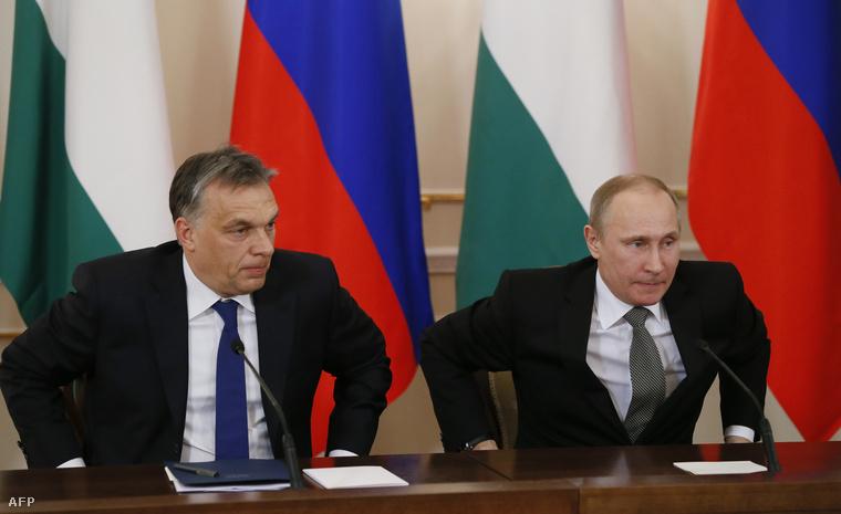 Vlagyimir Putyin orosz államfő és a hivatalos moszkvai munkalátogatáson tartózkodó Orbán Viktor magyar miniszterelnök sajtótájékoztatót tart az államfő Moszkva környéki, novo-ogarjovói rezidenciáján 2014. január 14-én.