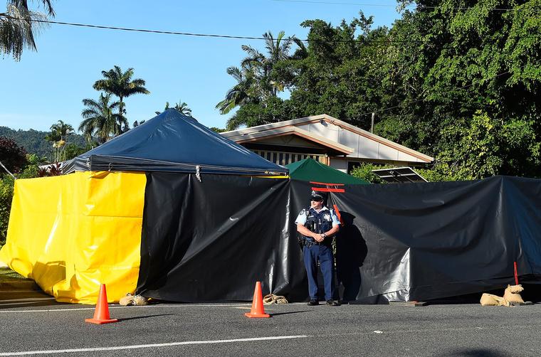 A bűncselekmény helyszíne az ad hoc sátor mögötti ház.