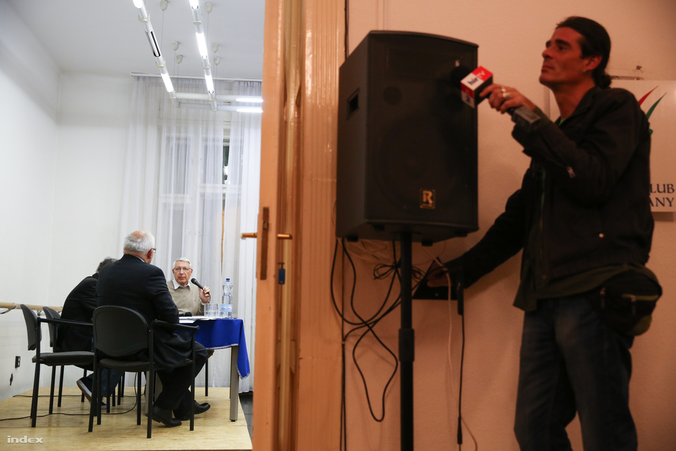 Az önkormányzati kampány egyik legnagyobb meglepetése volt, hogy Falus Ferenc lett a baloldal főpolgármester-jelöltje. Aztán a baloldal tett a dologra még egy lapáttal, amikor visszaléptette a jelöltjét. Így végül Bokros Lajosnak jutott a lehetőség, hogy kikapjon Tarlós Istvántól.