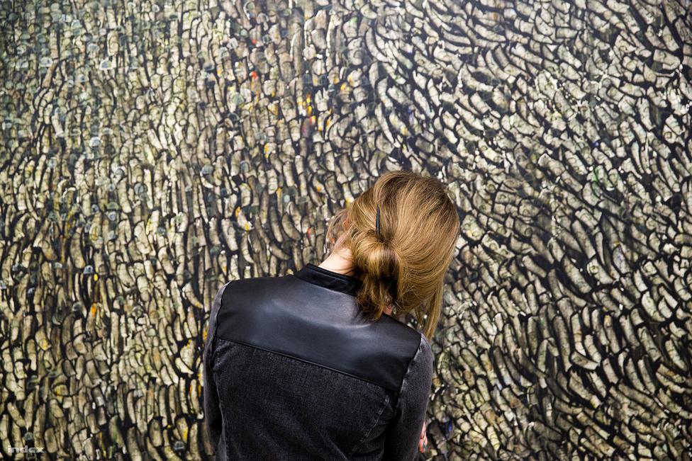 A párizsi Pompidou központ után itthon is retrospektív kiállítás nyílt Hantai Simon munkáiból. Hantai Simon jelenleg a legdrágábban eladható magyar származású képzőművész. M.A. 5 (Mariale) című, 1960-ban készült munkájáért egy tavalyi árverésen 740 millió forintnak megfelelő összeget fizettek, magyar kortárs képzőművészeti alkotásért még soha nem adtak ennyi pénzt korábban.