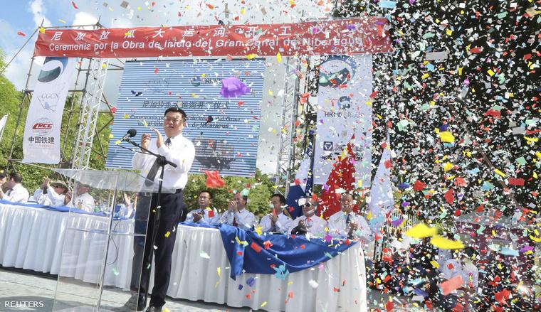 A kínai Nicaragua Canal Development Investment elnevezésű konzorcium vezetője, Wang Jing az ünnepségen, 2014. december 22-én.