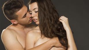 Mondom a páromnak, hiába csókolgatja a mellem