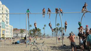 Kalifornia kondiparkos akrobatái és más kockahasak