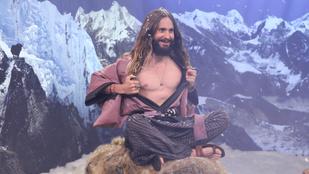 Jézus Leto mellbimbót villantott, és más férfivetkőzések