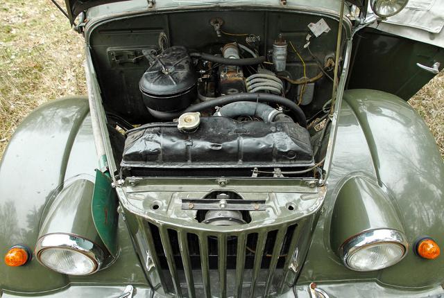 2,5 literes OHV-motor került az eredeti, oldalt szelepelt helyére