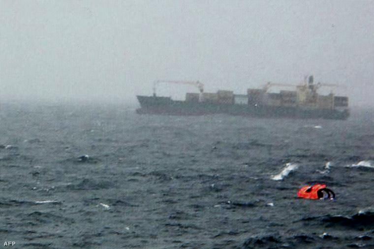 A tengeren sodródó Norman Atlantic december 28-án