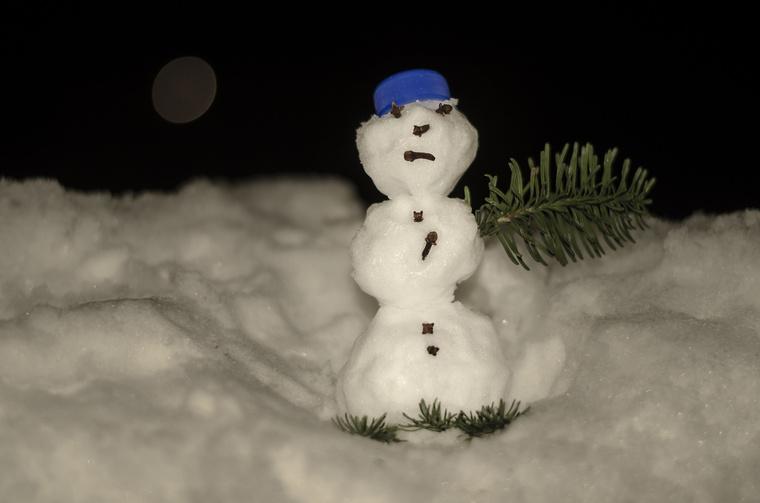 """""""Szegedről jön ez az aprócska hóember.Bernadett formálta."""""""