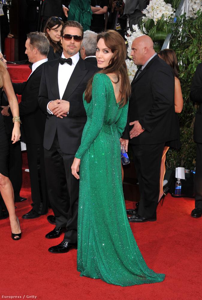 Jolie és Pitt egyrészt azért szépek együtt, mert mindketten jól néznek ki - másrészt olyan nagy köztük az összhang, hogy ez szinte minden, róluk készült képen látszik