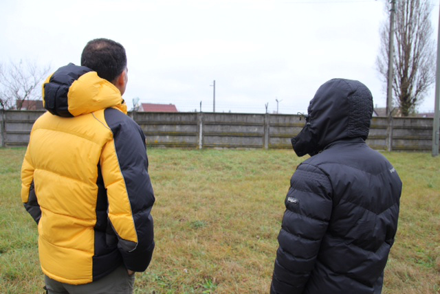Yusuf és Omar a debreceni befogadóállomáson