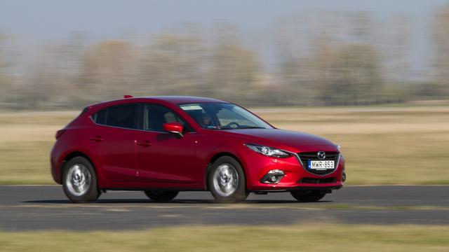A Mazda 3 is jobb sorsot érdemel, mint egy NEDC