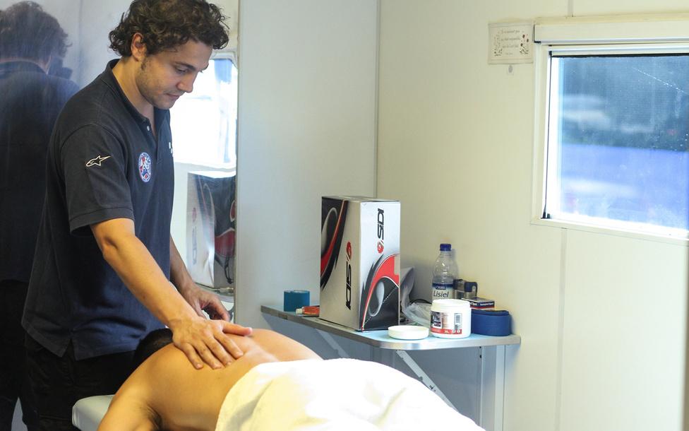 Dr. Costa ugyan már nem jár versenyekre, a Clinica Mobile ennek ellenére töretlenül üzemel, és továbbra is, mint általános hősgyár látja el a feladatokat.