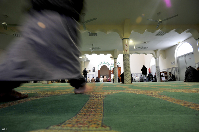 Pénteki ima a chateauroux-i mecsetben