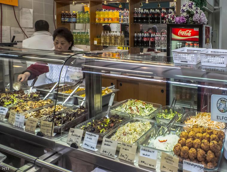 A Hold utcai vásárcsarnok kínai büféje