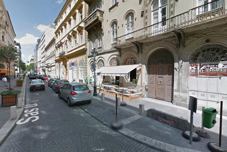 Sas utca 17. (jobb oldal)