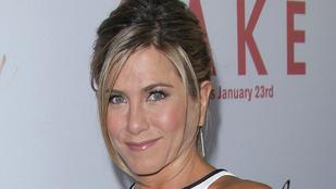 Jó ötlet vagy sem ez a ruha Jennifer Anistonon?