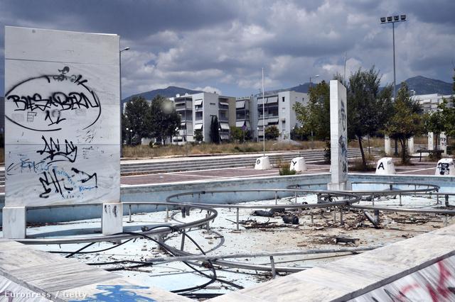 Az olimpiai falu is teljesen lerongyolódott